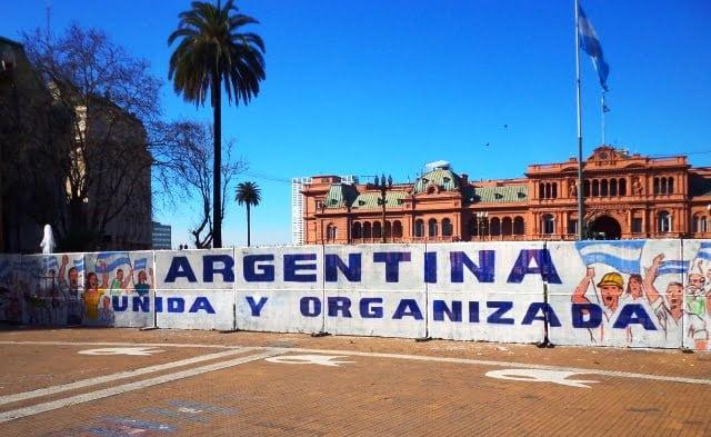 Plaza del Mayo BA cumartesi anneleri gezilecek yerler