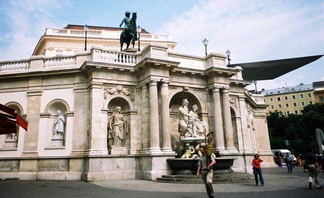 Albertina Müzesi, Avusturya gezisi