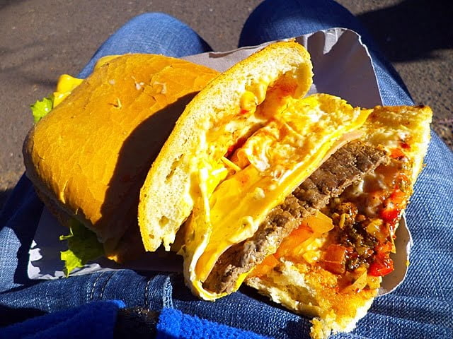 Lomito Arjantin yemek cheap food argentina