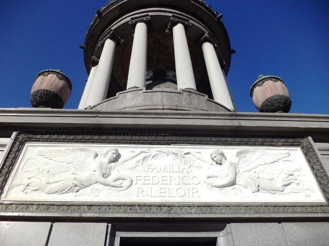 Recoleta Mezarlığı. Cementerio de la Recoleta (Recoleta Cemetery), Buenos Aires