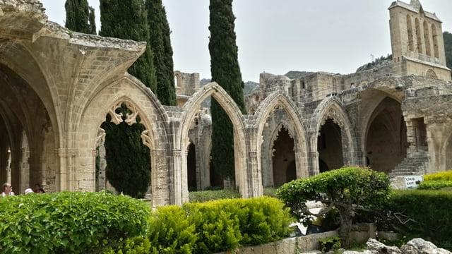 Beylerbeyi manastır