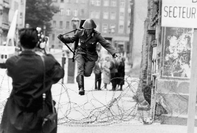 Berlin Duvarı kaçanlar