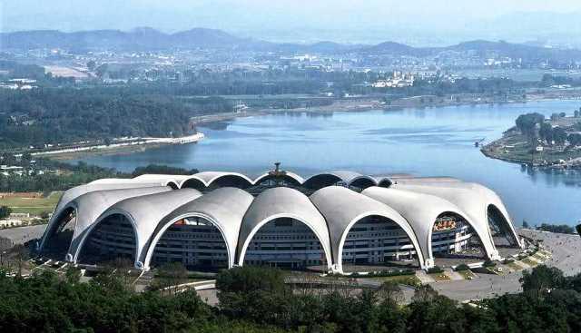 en büyük futbol stadyumu