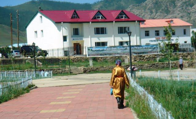 geleneksel Moğol kıyafeti