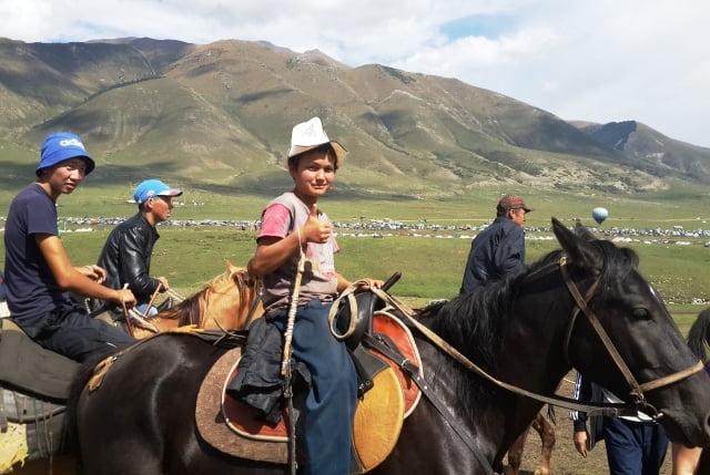 Kırgızistan adetleri