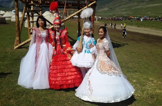 Kırgızistan kadınları
