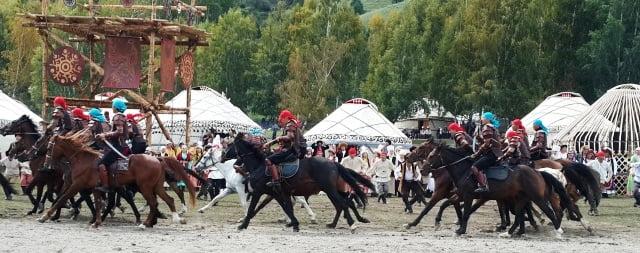 Kırgızistan yaşam insanlar