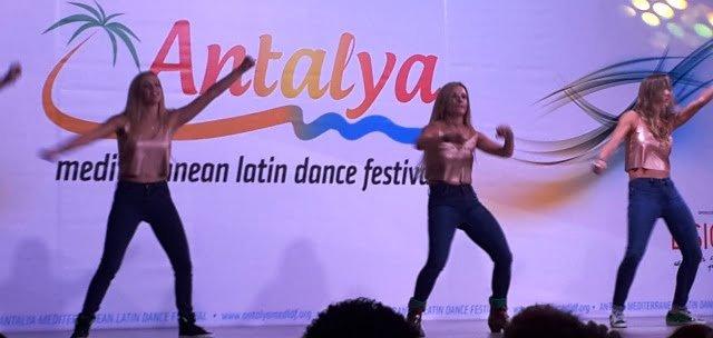 Latin dans adları