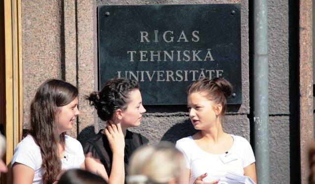 letonya kızlar