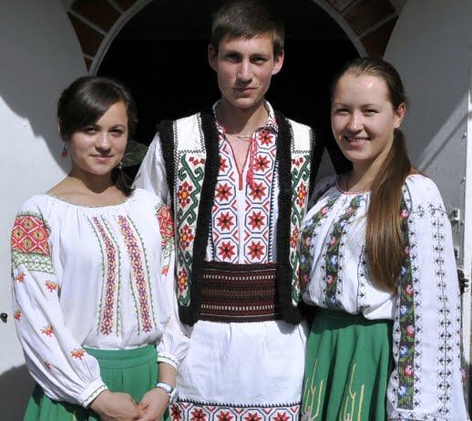 Moldova yöresel kıyafetleri