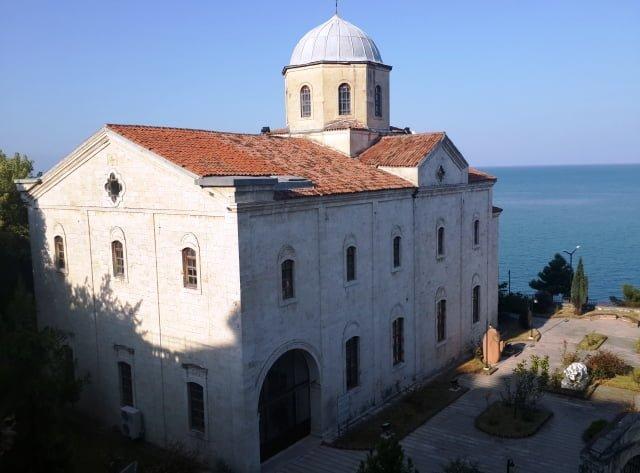 taşbaşı kilise