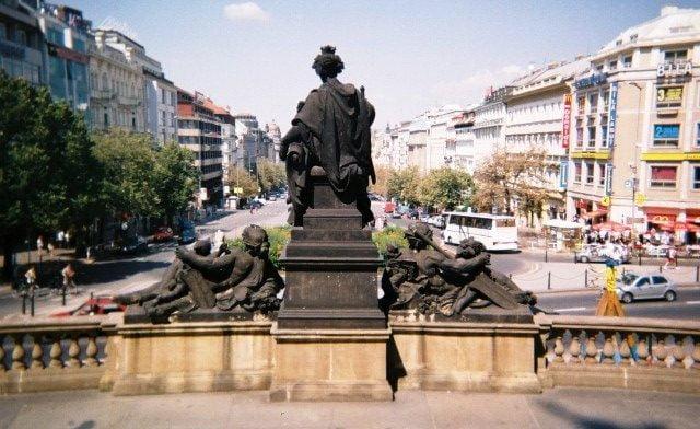Prag gezi alışveriş yemek gece hayatı