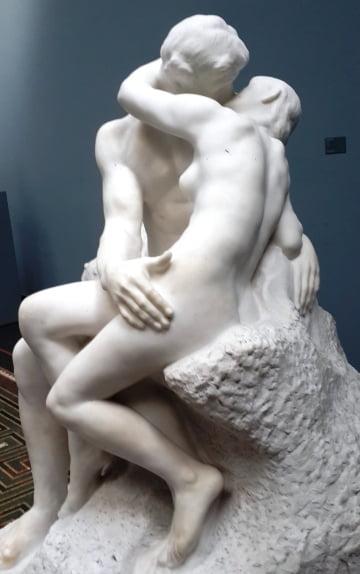 Rodin'in Öpüşme heykeli