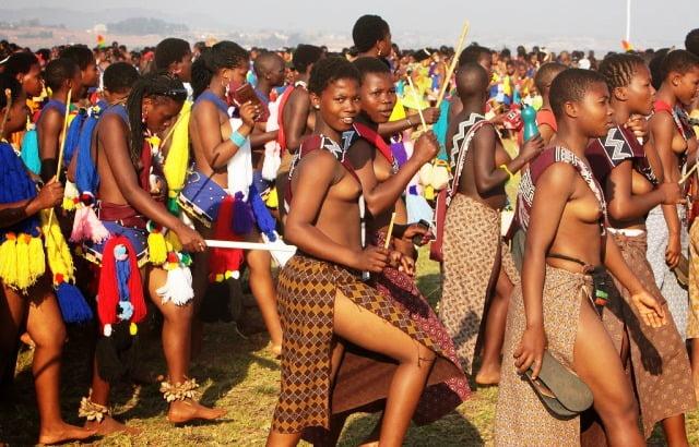 Svaziland kralı eşlerini nasıl seçiyor